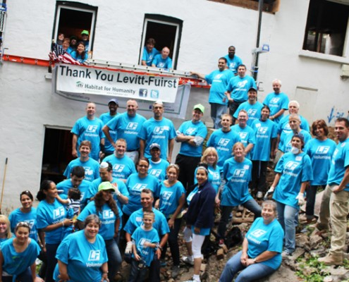 Group photo habitat for humanity